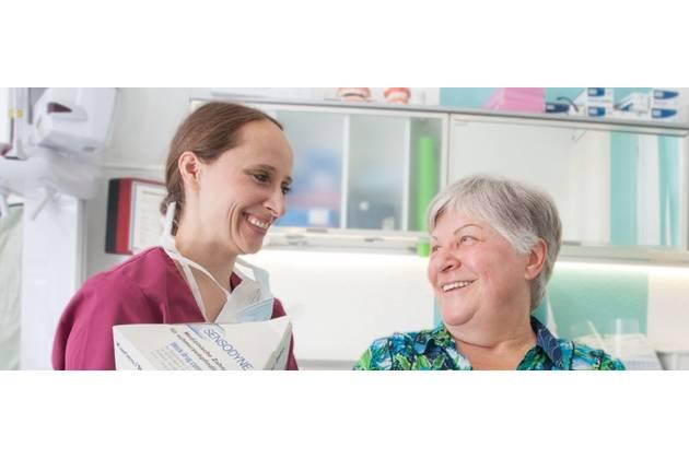 Zahnarztpraxis Anja Büschges aus Berlin - Behandlung
