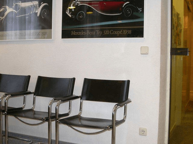 Zahnarzt BiekerMsc aus Gottingen-Wartezimmer