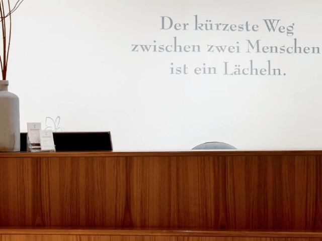 Zahnarzt SommeruFrSiljaMoller aus Laatzen-Empfang