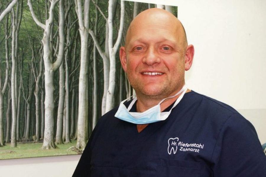 Zahnarztpraxis Dr. Philipp Riefenstahl in Berlin