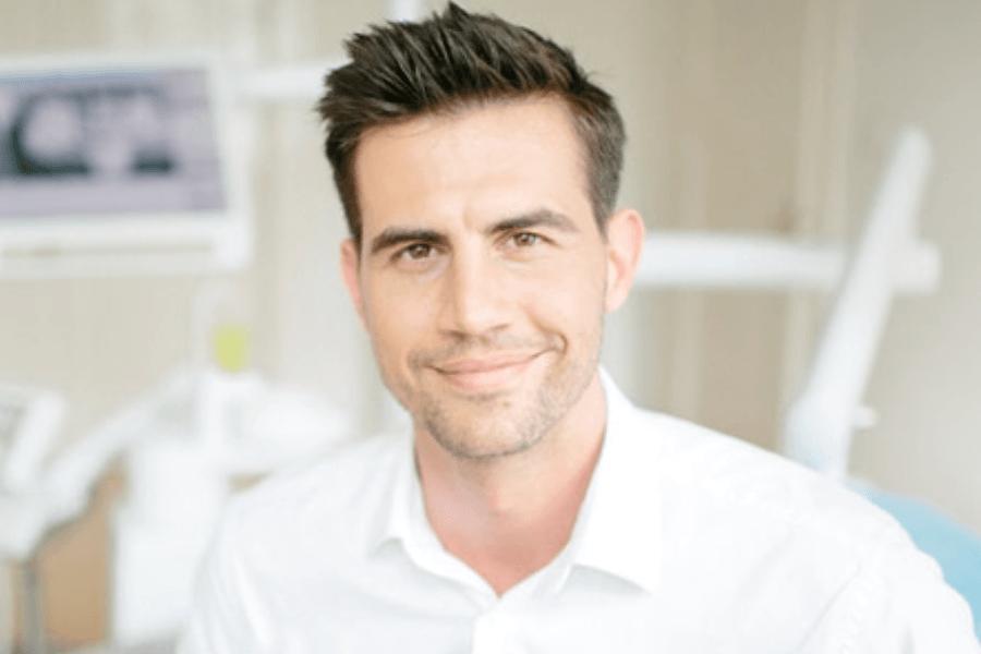 Zahnarzt Dominik Tima aus Munchen