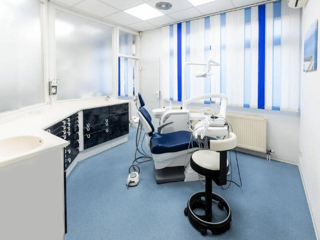 Zahnarztpraxis Frau Dr. Esther Schiller, Mannheim-Professionelle Zahnreinigung