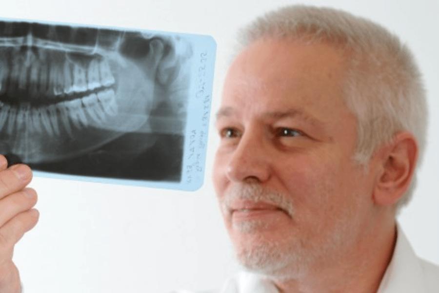 Zahnarztpraxis Herr Dr. Reinhard Schlösser in Rothenburg ob der Tauber