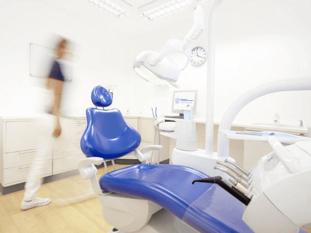 Zahnarztpraxis Röder und Kollegen in Wetzlar-Behandlung
